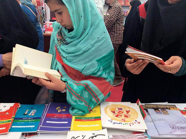 انتشارات او - نمایشگاه بین المللی کتاب تهران 95 (11)